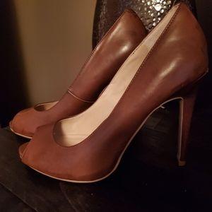 Guess Cognac color Heels